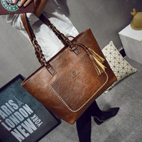 2016 Famous Brand Leather Handbag Bolsas Mujer Large Vintage Tassel Shoulder Bags Women Shopping Tote Bag Purse sac a main Li533