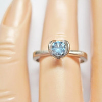 Vintage Blue Topaz Ring 10K White Gold Size 6