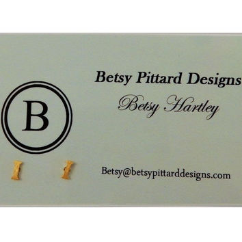 Betsy Pittard Designs: Initial Studs Letter: 'I'