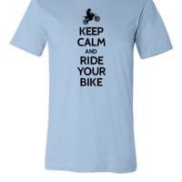 Keep calm and ride your bike - Unisex T-shirt