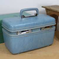 Samsonite Powder Blue Train Case With Mirror and Tray . Denver . Wonderful Vintage Luggage . Mid Century Hardside Suitcase