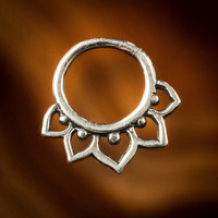 Silver septum 1.mm silver wire for pierced nose 18g approx lotus septum (Code ss 25)