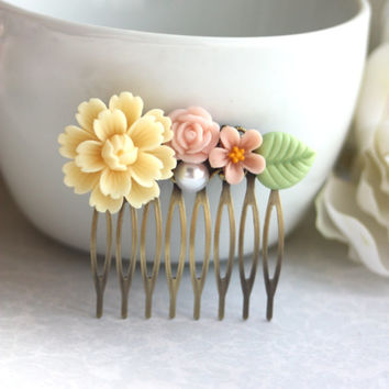 Shabby Country Chic Floral Bouquet Flower, Pearl Collage Filigree Hair Comb. Bridesmaids Hair comb. Wedding Bridal. Floral Accessories.