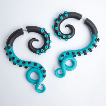 Blue black octopus Turquoise octopus Fake gauges Fake ear plug Tentacle earrings Octopus tentacle Blue octopus Summer earrings