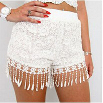 Hot Sale Fashion Tassel Lace Shorts Floral Crochet Summer Beach Holiday Shorts Women Black White Elastic Waist Short Feminino