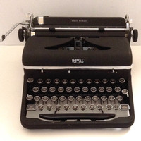 VIDEO! Royal Quiet Deluxe Manual Portable Typewriter