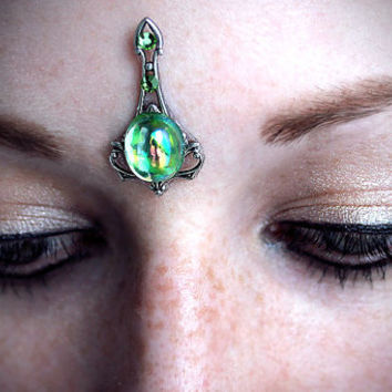 Peridot Bindi, fairy gem, fantasy jewelry, art nouveau, green glass, tribal fusion, gypsy costume, wicca, pagan, third eye chakra, goddess