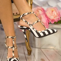 Be My Valentin-O Heels in Black & White