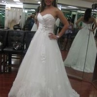 Sleeveless Long Wedding Dress with Petals Beads Detail Custom Size 0 2 4 6 8 10