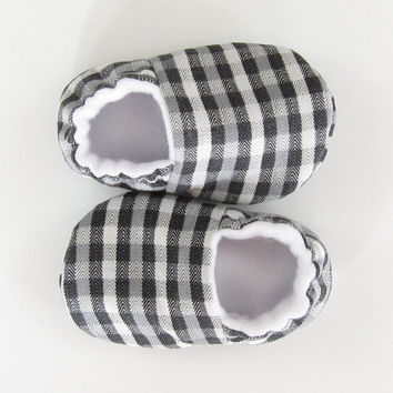 Infant Shoes- baby slippers fabric baby shoes new baby shoes baby booties crib shoes gender neutral baby slippers, Black Plaid