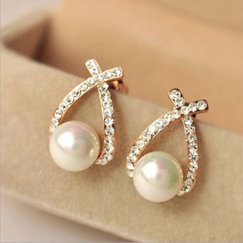 deals] 2 pairs/set Exquisite Glossy imitation pearl earrings fashion personality Rhinestone Jewelry for women (Color: Gold) = 5988053569
