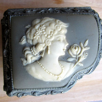 Music box with framed cameo portrait, vintage metal music box from Japan, trinket music box, cameo, vintage ladies gift, vintage lovers