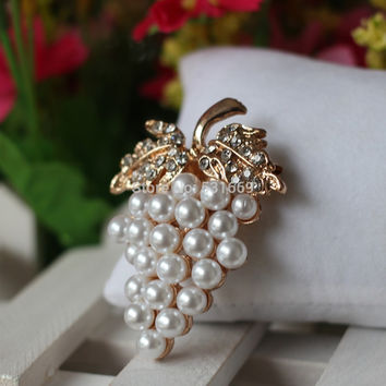 Grapes Brooches Rose Gold Plated Imitation Pearl Brooch Rhinestone For Wedding Bridal Dresses Hijab Clip Scarf Buckle Pins