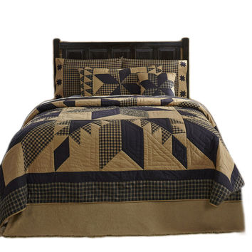 Dakota Star 10-pc Patchwork Quilt Super Sets - Choose Size - Black and Tan - Country/Rustic Charm