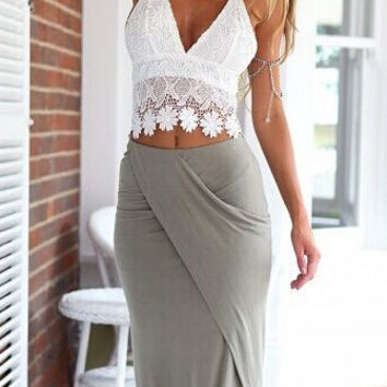 White Halter Floral Crochet Lace V-neck Cropped Top