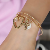 Golden Simple Nobel Love Heart Bracelet