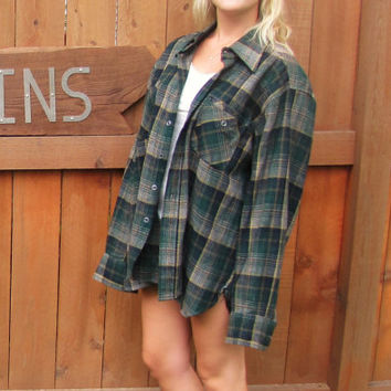 vintage wool blend hunter green flannel plaid shirt. oversized plaid big shirt