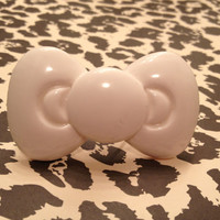 Huge White Hello Kitty Bow Adjustable Ring by JauntyJewelries
