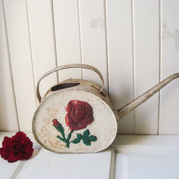 Vintage Rustic Watering Can with Red Rose, Rusty Metal Garden Decor, Distressed Watering Can, Shabby Chic, Cottage Chic, Photo Prop