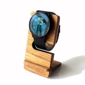 Wooden Docking Station for Pebble Time Round Watch Oak Wood Minimalist Watch Dock Station Rustic Watch Display Stand Gift Idea