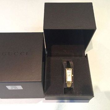 VONW3Q Gucci Women's Gold Bangle Bracelet Swiss Mother-of-Pearl Analogue Watch 1500L