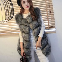 2017 Autumn And Winter Europe And The United States Imitation Fox Fur Fur Vest Women In The Long Vest Hair Plaque