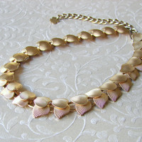 1950s Gold Tone Textured Leaf Choker Necklace Classic Vintage Costume Jewelry