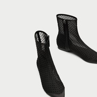FLAT DOTTED MESH ANKLE BOOTS DETAILS