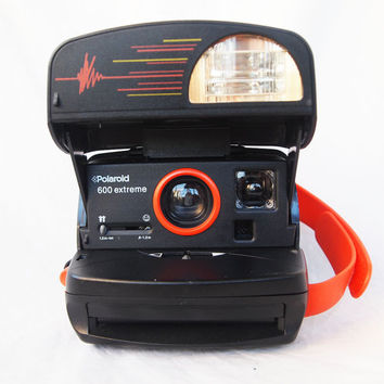 Polaroid Extreme 600 instant camera  TESTED