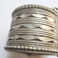 Vintage Tribal Indian Silver Bracelet with Hinge