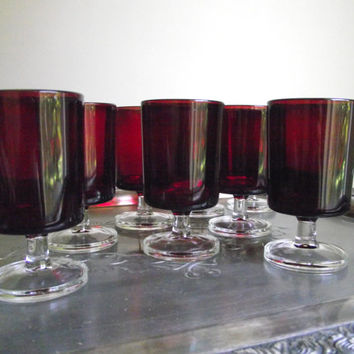 Luminarc Cavalier Juice Glasses / Verrerie D'Arques France / Red Glassware / Set of 2 Juice Glasses / Holiday Tablescape Decor