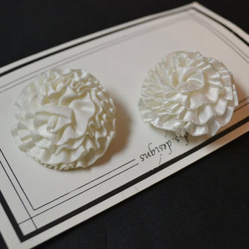Vintage Rosette Shoe Clips Buckles Off White Creamy White Pair Wedding