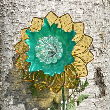 Yellow and Green, Outdoor Decor, Garden Art, Yard Flower, Vintage Style, Cottage Home Decor, Flower Gift, Glass Plate Flower, W/ Stem