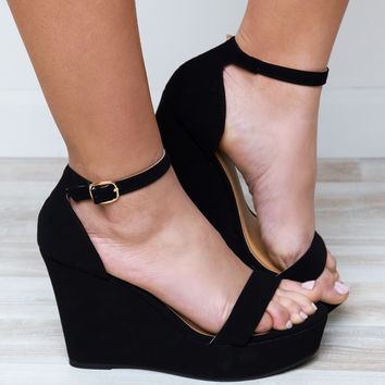 World's A Stage Wedges - Black