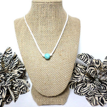 Turquoise white suede leather choker necklace, turquoise knotted genuine leather, turquoise bead, suede leather cord, gift