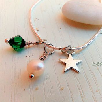 Green Swarovski Charm necklace - Natural Pearl pendant - Emerald green czech glass necklace - Simple necklace - Charm Jewelry - Star pendant