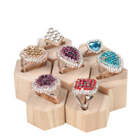 Fashion Hexagonal Ring Display Holder Solid Wood Ring Showcase Wood Jewelry Display Stand Nature Wood Jewelry Display