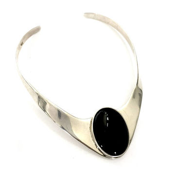 Modernist Mexican Sterling Silver Onyx Collar, Large Oval Onyx Cabochon, Sleek Modern Design, Statement Piece, Hand Crafted, Vintage 1980s