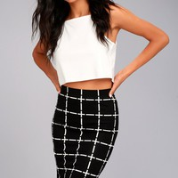 Strike a Pose Black and White Grid Print Pencil Skirt