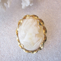 Vintage Cameo Brooch Oval Carved Cameo with Twisted Gold Tone Plated Border Costume Jewelry