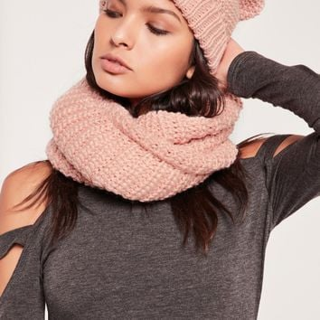 Missguided - Knitted Snood and Hat Set Pink