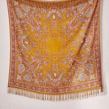 Oriel Medallion Tapestry - Urban Outfitters