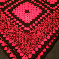 crochet red black sofa blanket bedding chunky Aran  wool L49 W49 ins multi purpose blanket just finished today 20.11.16