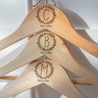 Personalized Bridesmaid Wedding Hangers, Custom Wood Bridal Party Hangers, Customized Bride Hanger, Wooden Bridesmaids Dress Hanger
