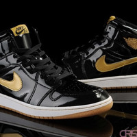 [FREE SHIPPING] AIR JORDAN 1 (BLACK / GOLD PATENT) SNEAKER