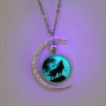 crescent moon wolf necklace glow in the dark after UV absorption necklace noctilucent necklace friendship love gifts unique lovers gifts