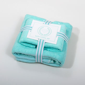 Diamond Wreath 2-Piece Bath Towel in Diamond Blue