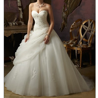 Super luxury Cathedral wedding dresses white or ivory A-line organza Applique Strapless bride gown custom tail