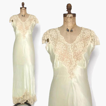 Vintage 40s Satin NIGHTGOWN / 1940s Key Lime Satin & Lace Full Length Bias Cut Slip Dress S - M