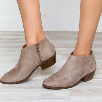 Evelina Booties - Taupe